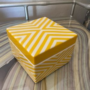 JONATHAN ADLER Ceramic Trinket Box With Lid